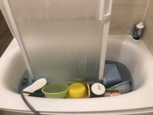 炭酸塩漬け 風呂ドアビフォー